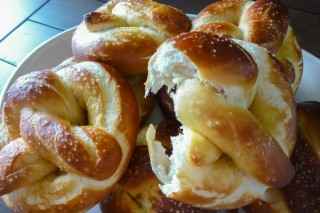 Alton Brown's Homemade Soft Pretzels